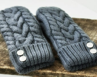 Mittens! Cable Knit Mittens Hand Knit Cable wool Knit Mittens in Vintage Grey. Fully lined.