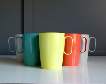 Colorful Vintage Cups by Plas-Tex / Set of 5 / Picnic Cups / Turquoise Cup / Chartreuse Cup / Coral Cup / Gray Cups