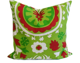 Green pillow cover, 16x16, Red pillow, Throw pillow, Decorative pillow, Accent pillow, Couch cushion, Sofa cushion, Holiday decor