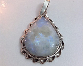 925 Sterling & Moonstone pendant
