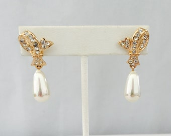 Vintage Rhinestone & Pearl Gold Tone Metal Earring - Gift, Bride, Wedding, Mother of the Bride, Bridesmaids