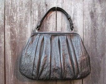 Distressed Vintage Black Textured Leather Mod Handbag - Hitchcock Style