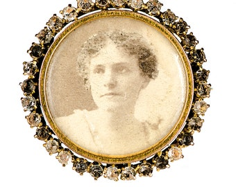 14k Edwardian photo brooch with paste stones