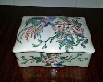 Vintage Poreclain Toyo Parrot/Bird Jewlry Box - Made in Macau