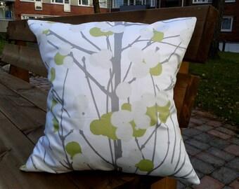 Pillow cover made from Marimekko fabric Lumimarja, pillow case, pillow sham, throw pillow cover, cushion cover, envelope closure