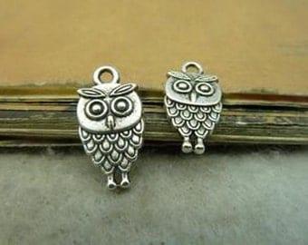 Bulk- 50pcs  9x18mm Antique Silver Lovely Owl Charm Pendant. c4953