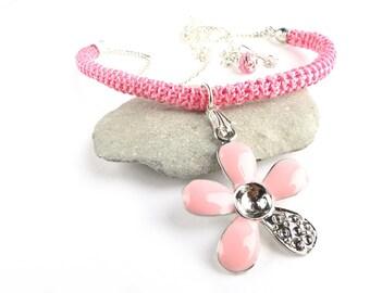 Necklace for girl, Crochet Pink Necklace with Flower Pendant, Pink Necklace, Flower Necklace, Gift Ideas / Katarzyna Bodera Sandycraft