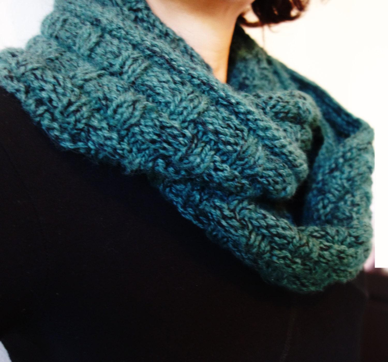 Infinity Scarf Knitting Pattern Size 17 Needles : Cowl Knitting PATTERN Woven Look Winter Cowl/ Chunky Knit