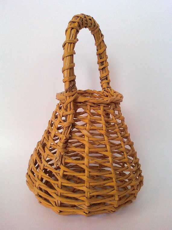 How To Weave A Basket Out Of Reeds : Egg basket handmade open weave reed pear shape with handle