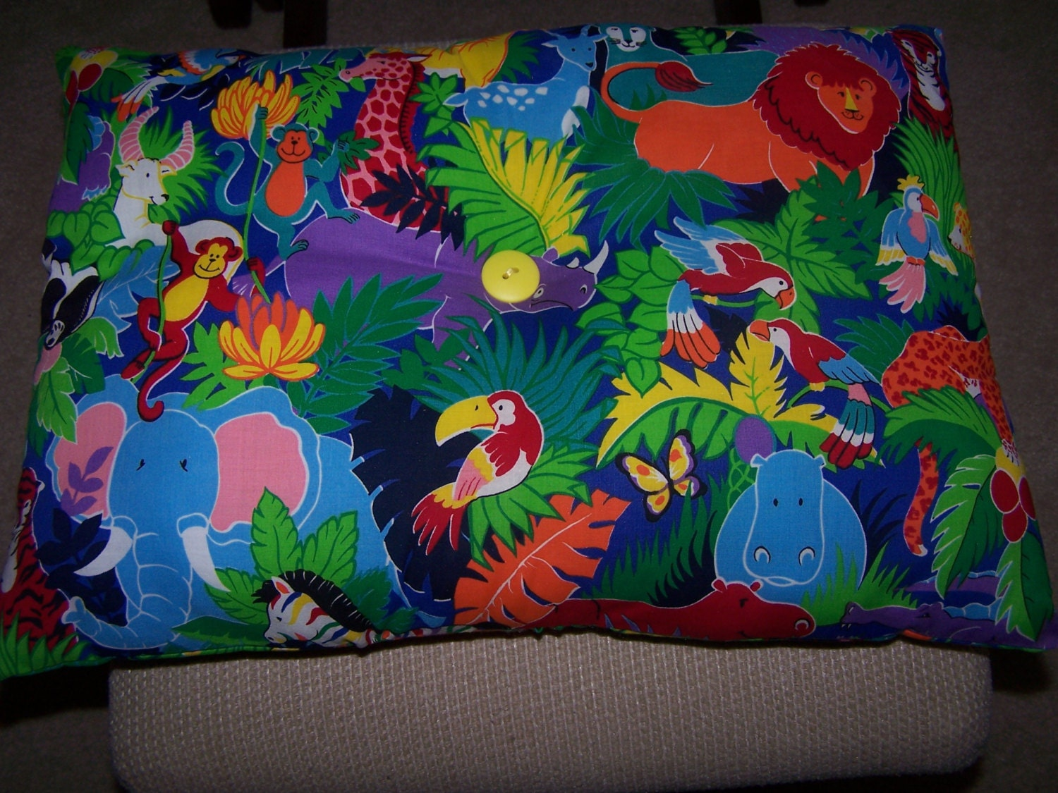 Kids pillows jungle safari 100 cotton vintage fabric for Childrens jungle fabric