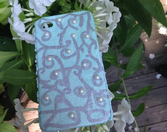 Teal Vine Design with Pearl Detail