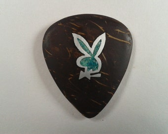 guitar pick-play boy-plectrum rabbit,guitar pick,renovatiodesign,quiron1221,vintage,novelty,jewelry,guitar