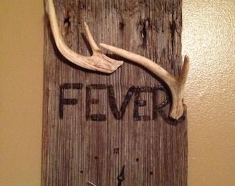 """Barnwood """"Buck Fever"""" Clock"""