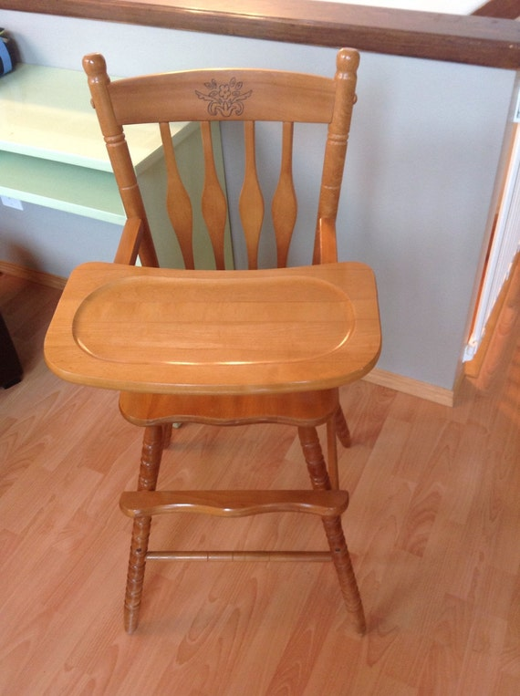 Rare solid wood jenny lind style high chair in excellent condition