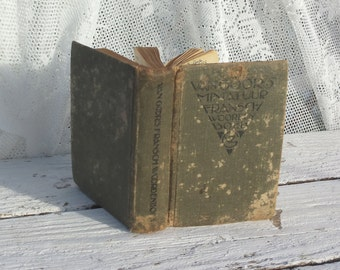 Antique/retro French dictionary. Vintage. Mini size. Velazquez/Words/Translation/Petit/Little Book/Very Old/Damaged/Green