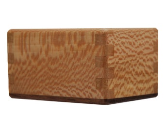 Detailed Finger Joint Utensil Box - Beautiful Natural Grain Pattern