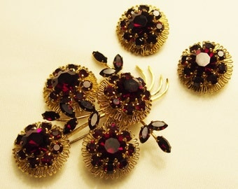 Vintage 50s Austrian Ruby Rhinestone Crystals Pin and Earrings set