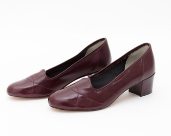 Vintage 60s Burgundy Heels | Shoes Size 7 | Oxblood Leather Tender Tootsies | Mad Men 1960s Pumps | Round Toe | Mid Century Fashion