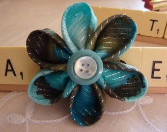 Kanzashi green fabric flower brooch silver thread