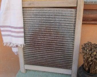 Vintage washboard - Rustic decor - Primitives decor- Country decor -  Housewares.