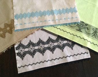 Vintage Embroidered Kitchen Towel Set