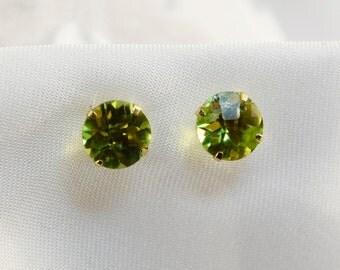 14kt Yellow Gold Peridot 6mm Stud Earrings