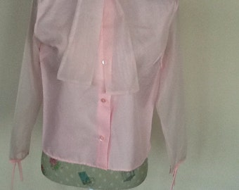 Vintage 50's pink chiffon blouse . Size 10-12 (36) with pretty tie collar.