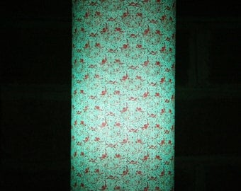Accent Lamp - Lacy turqoise blue and red scallop pattern table lamp