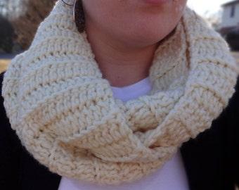 Crochet Infinity, Crochet Scarf, Elegant Scarf, White Infinity, Knit Scarf, Knit Scarf, Bulky Scarf, Chunky Scarf, White Scarf, Lacey Scarf