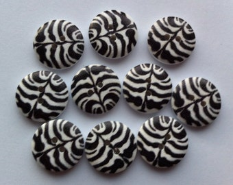 "30 Wooden Buttons 18mm Wood Buttons 6/8"" inch Sewing Buttons Black and White Zebra Print Button Embellishments Sewing Notions Craft Supplies"