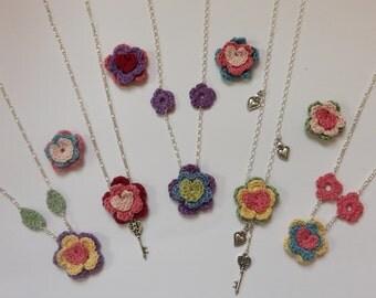 Crocheted Flower Necklace Pattern