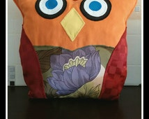 """Cushion OWL. Cushion """"mama OWL"""". Ideal for your sofa or bed. Ideal for children because has no buttons. Soft. Very tender."""