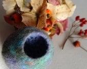 Mauve Pod Brooch - Wool Felt - Handmade in Scotland