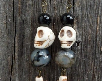 Halloween-Earrings, Dangling Earrings with Skull,Gothic Skull-Earrings made of Gemstones, OOAK