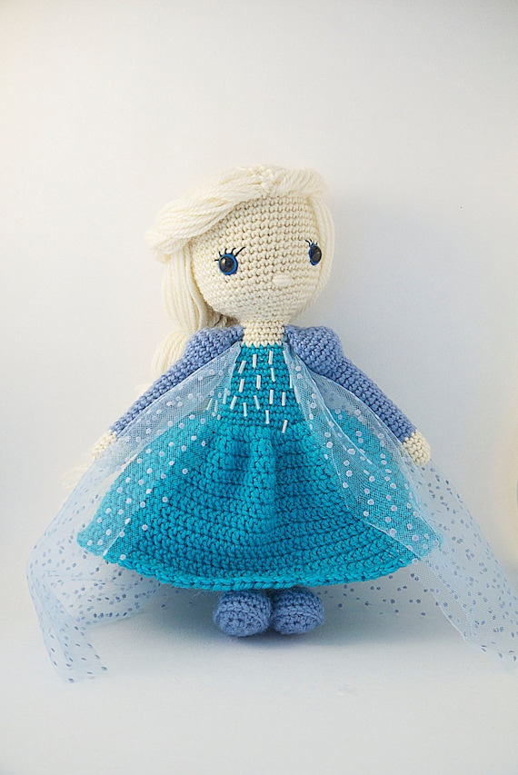 Crochet Elsa Amigurumi : Amigurumi crochet doll Elsa from the Disney movie Frozen