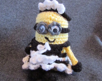 Phil the Maid minion Crocheted amigurumi by MommaSiedt