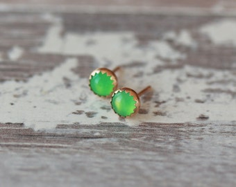 Green Stud Earrings, Chrysoprase Gemstone Earrings, 14k SOLID Gold, Serrated Gold Post, 5mm Gem, Bright Color Posts, Handmade Jewelry