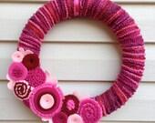Valentine's Day Wreath - Pink Wreath - Yarn  Wreath - Felt Flowers - Valentine's Day Flower Wreath - Heart Wreath - Felt Wreath -Vday Wreath