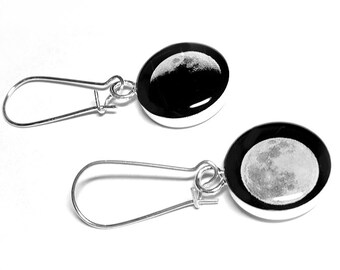 Phases Of The Moon Earrings, Moon Earrings, Handmade Earrings, Space Jewelry, Black Earrings, Lunar, Moon Phase, Resin Jewelry, Moon Jewelry
