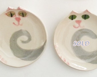 Pottery Cat plate round dish handmade ceramic white with green eyes gray tail pink nose cat feeding feline theme decor