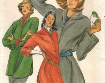 1970s Butterick 5623 UNCUT Vintage Sewing Pattern Misses Top Size Small