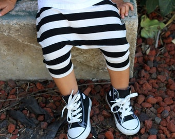 Black and White Stripe Baby Harem Shorts: Etsy kid's fashion, toddler harem shorts, pirate shorts, halloween, pirate costume, cool clothes