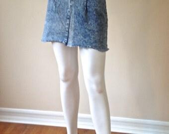 Vintage 80's / 90' Acid Wash Blue Denim Mini Skirt