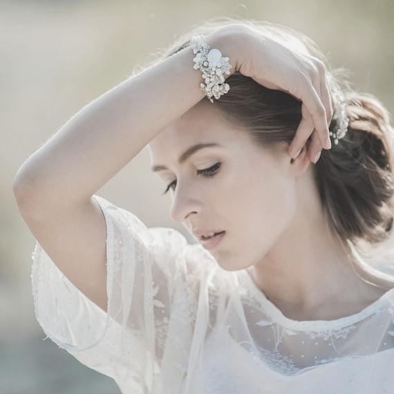 Wedding Bracelet , Freshwater Pearl Bracelet , Ivory Bridal Bracelet , Wedding Cuff Bracelet , Bridal Jewelry