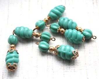 6 Vintage 1950s Beads // 40s 50s Turquoise Earring Pendants // NOS Jewelry Supply