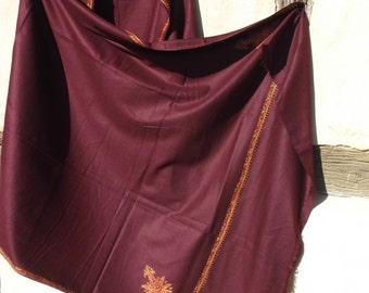 Soft and Luxurious Pashmina shawl/stole.  Kashmir. Burgundy. Pure pashmina wool.