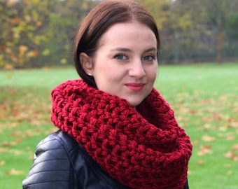 Circle Scarf Women's Chunky Scarf, Infinity Scarf Snood, Winter Accessories, Red