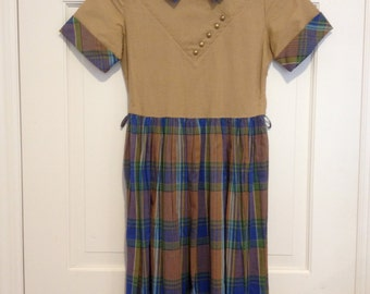 1950s 60s Plaid School Girl Dress Collar