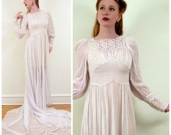 Vintage 1940s Wedding Dress in Dotted Swiss Silk / 40s Long Sleeved Wedding Dress with Lace and Train / Small