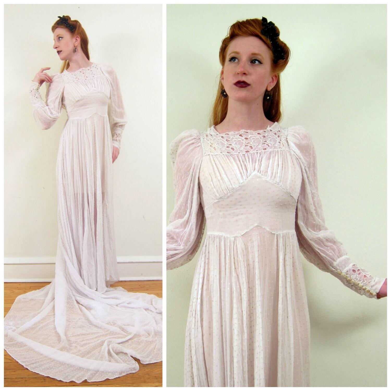 Vintage 1940s wedding dress in dotted swiss silk 40s long for Dotted swiss wedding dress
